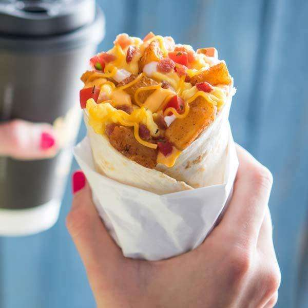 Taco Bell - meal takeaway  | Photo 1 of 10 | Address: 7878 Valley View St, Buena Park, CA 90620, USA | Phone: (714) 994-5331
