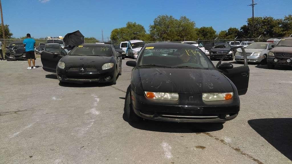 City of San Antonio Vehicle Impound Facility - storage  | Photo 10 of 10 | Address: 3625 Growdon Rd, San Antonio, TX 78227, USA | Phone: (210) 881-8440