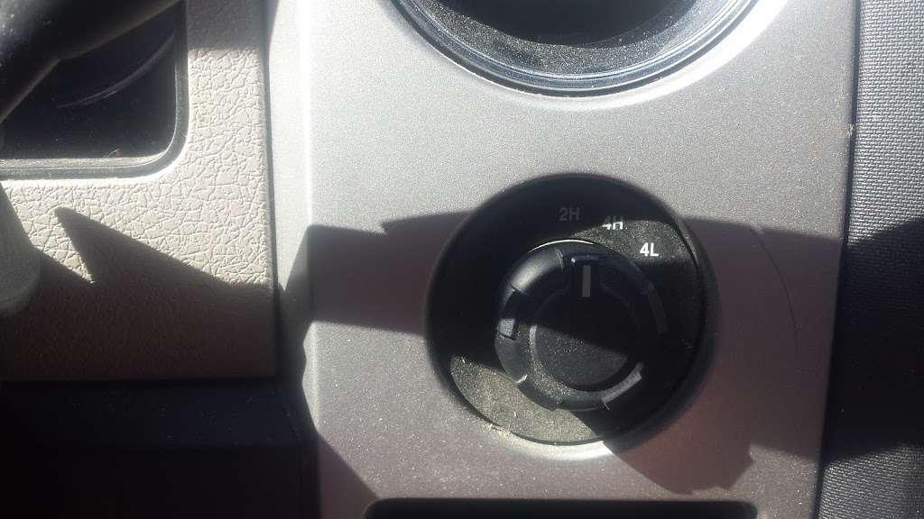 Ipswich Ford, Inc. - car repair    Photo 7 of 8   Address: 105 County Rd, Ipswich, MA 01938, USA   Phone: (978) 356-6850