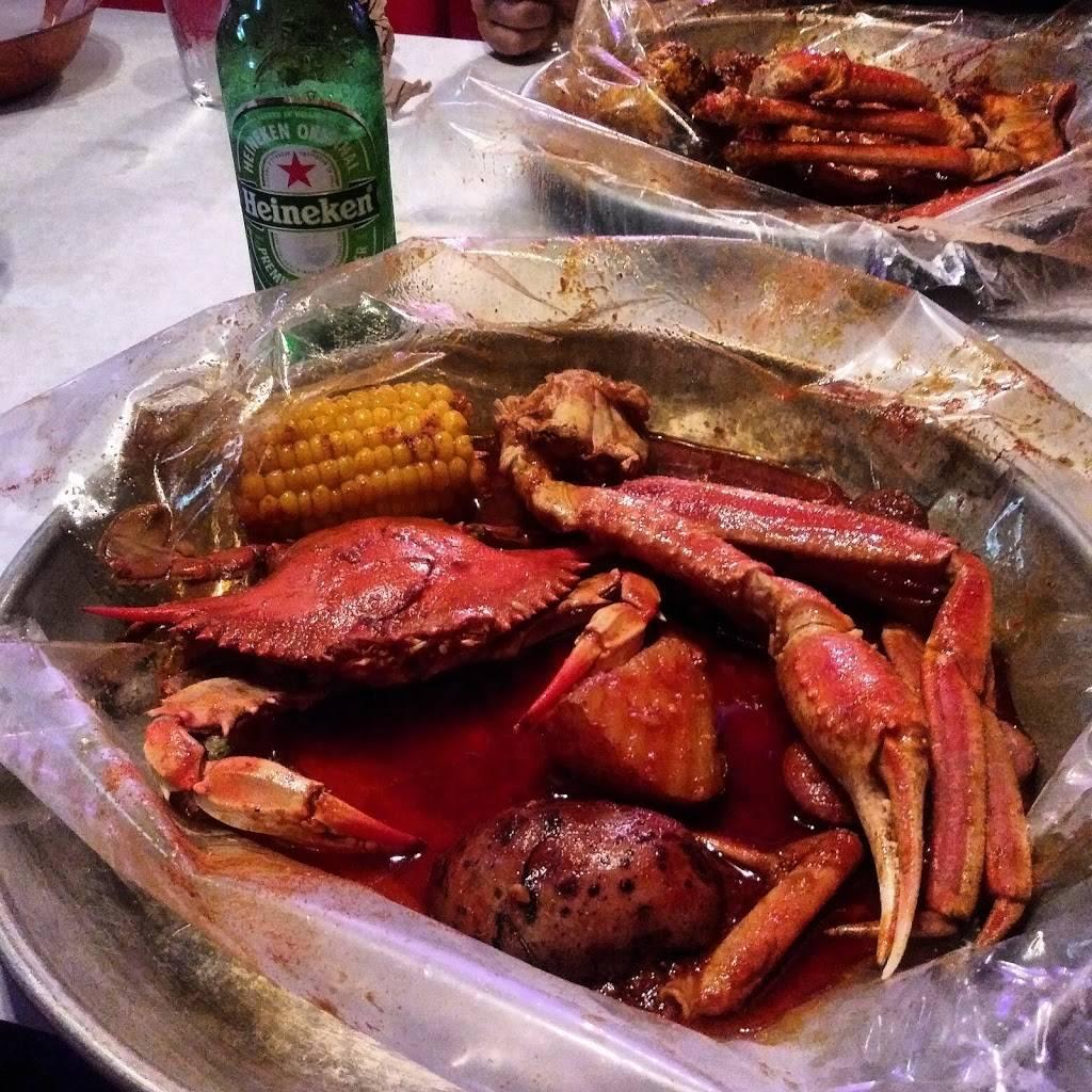 Mr. Q Crabhouse - restaurant    Photo 3 of 9   Address: 4221 N State Rd 7, Hollywood, FL 33021, USA   Phone: (954) 391-8879