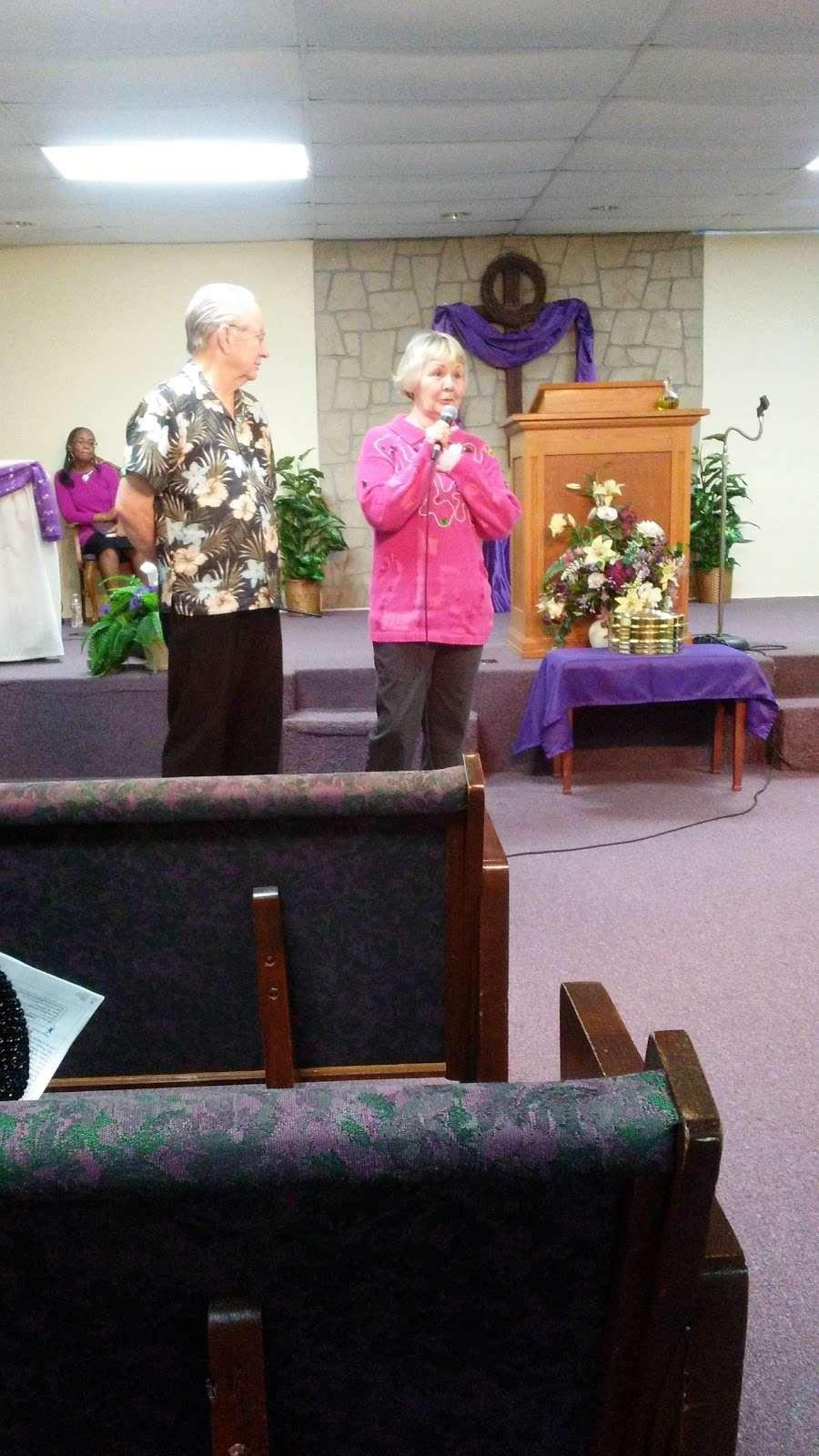 New Hope Fellowship - church  | Photo 6 of 10 | Address: 307 Deen Blvd, Auburndale, FL 33823, USA | Phone: (863) 967-4686