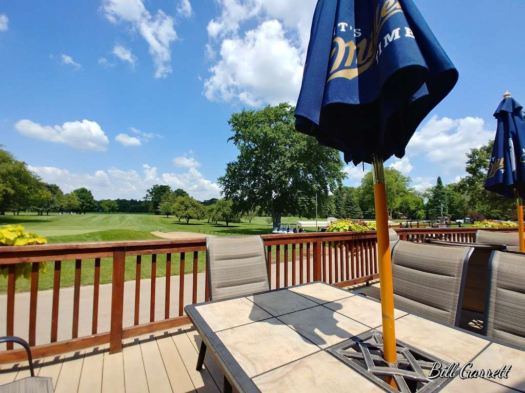 The Clubhouse Bar and Grille at Rivermoor Golf Club - restaurant  | Photo 7 of 10 | Address: 30802 Waterford Dr, Waterford, WI 53185, USA | Phone: (262) 534-2500