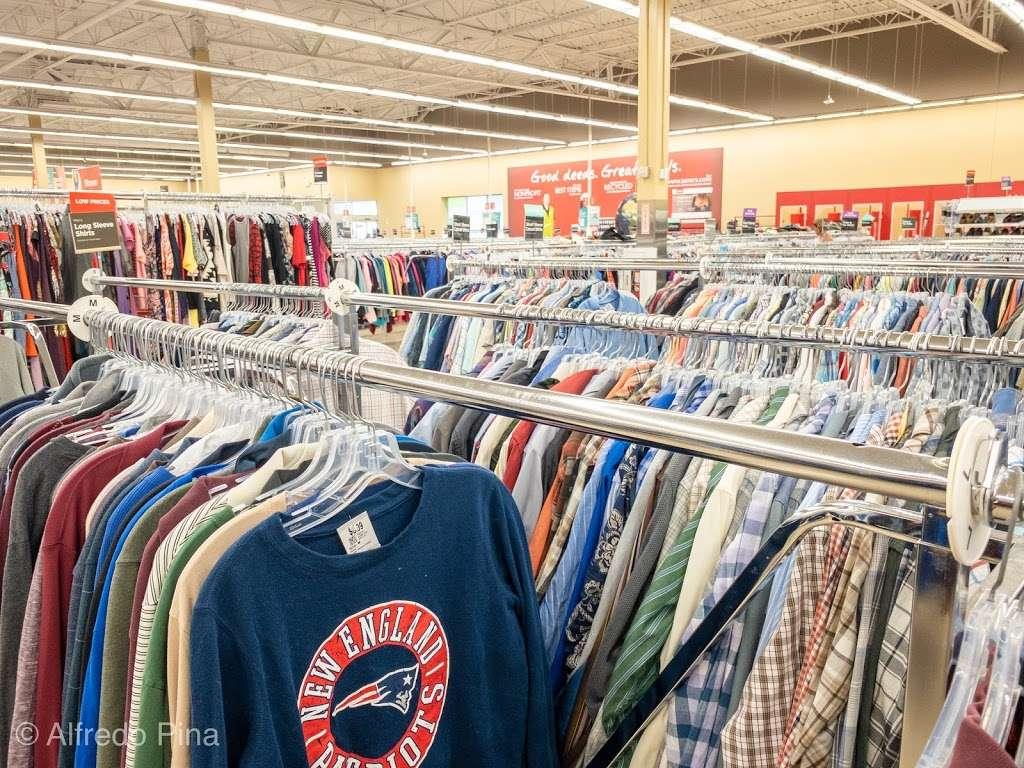 Savers - book store  | Photo 6 of 10 | Address: 9 Plaistow Rd Unit 9-A, Plaistow, NH 03865, USA | Phone: (603) 378-0368