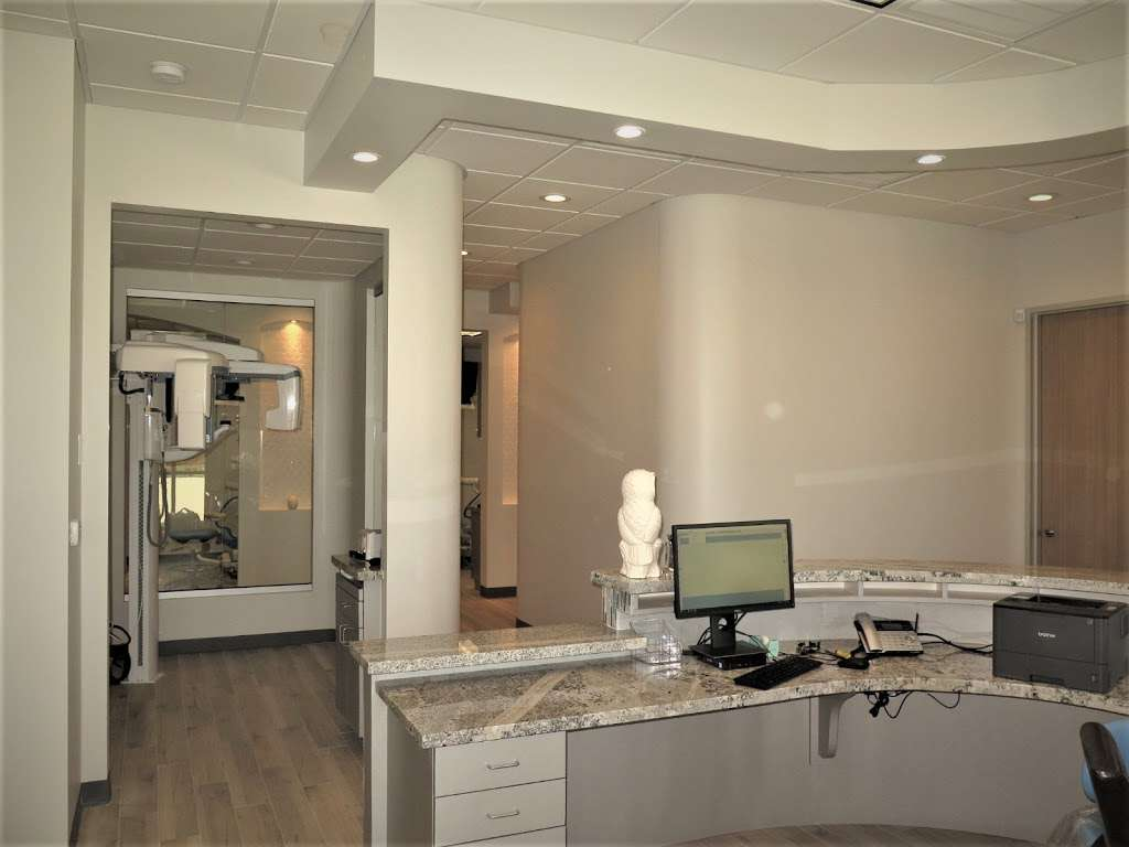 Blackhawk Dental - dentist  | Photo 6 of 7 | Address: 10304 Blackhawk Blvd Suite A, Houston, TX 77089, USA | Phone: (832) 288-2753