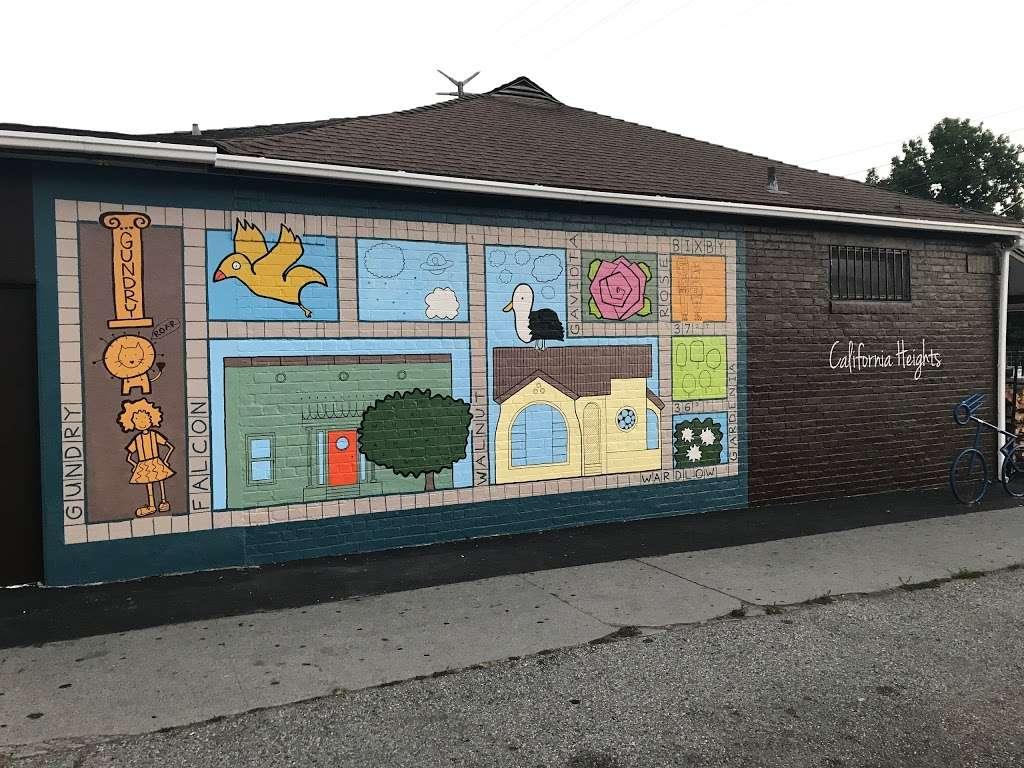 California Heights Market Mural Long Beach