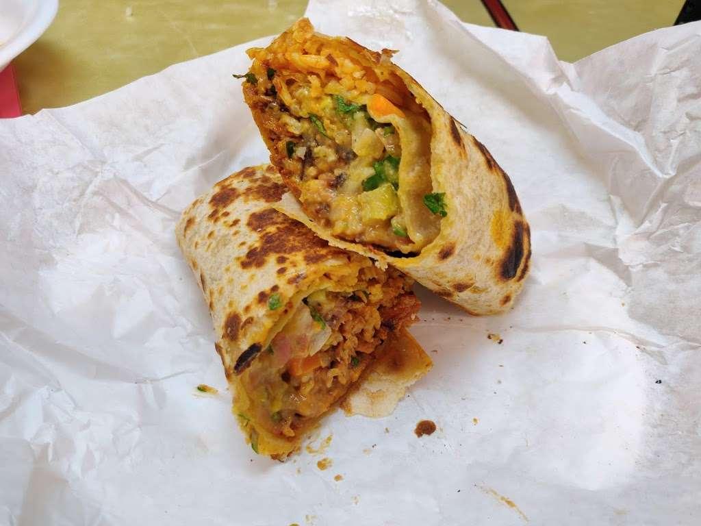 Salsitas Mexican Food - restaurant  | Photo 3 of 10 | Address: 10328 W Indian School Rd, Phoenix, AZ 85037, USA | Phone: (623) 872-5328
