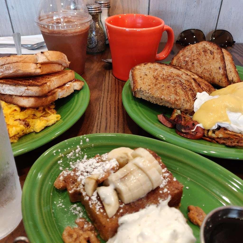 Tucker's - restaurant    Photo 7 of 10   Address: 360 Daniel Webster Hwy, Merrimack, NH 03054, USA   Phone: (603) 413-6477