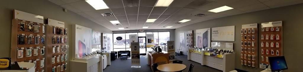 T-Mobile - electronics store  | Photo 2 of 5 | Address: 9540 N Garnett Rd Ste 113, Owasso, OK 74055, USA | Phone: (918) 274-4388