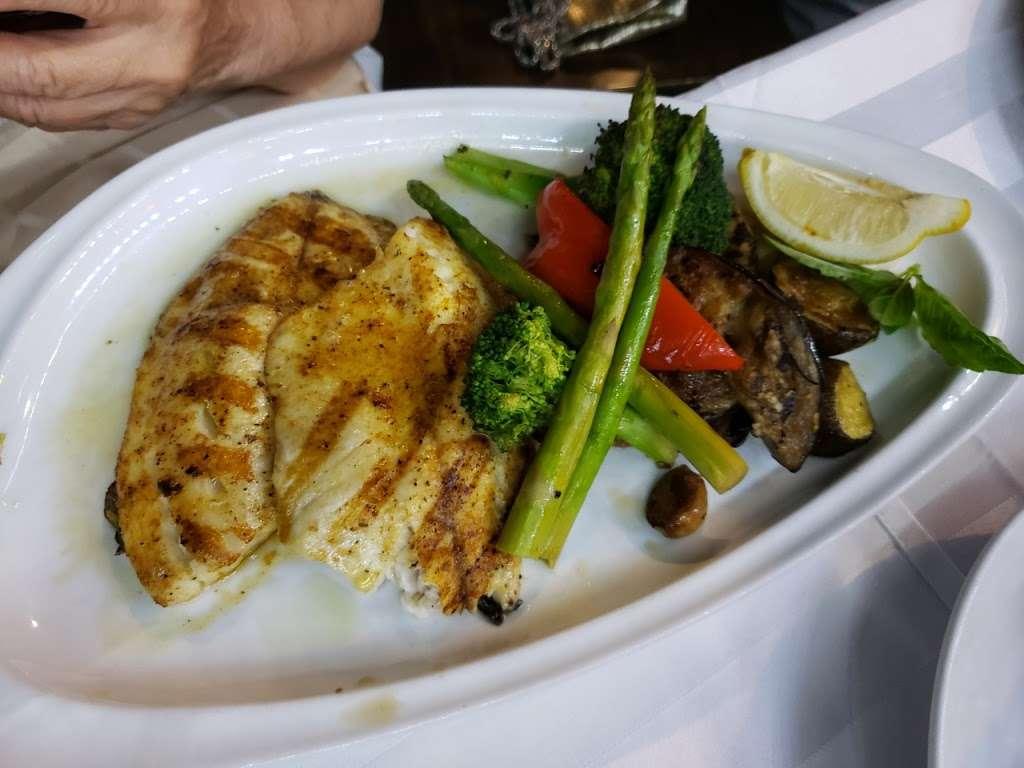 Sur La Baie - restaurant  | Photo 10 of 10 | Address: 3099 Emmons Ave, Brooklyn, NY 11235, USA | Phone: (718) 975-7787