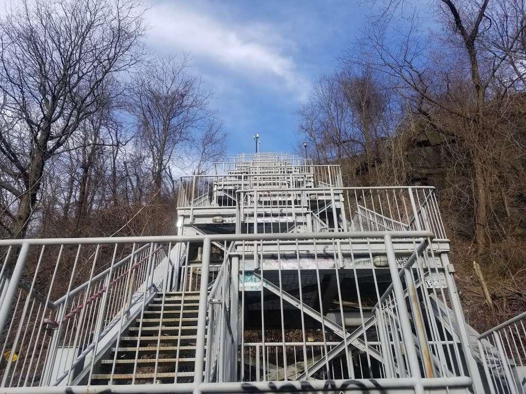 Old Glory Park - park  | Photo 2 of 10 | Address: West New York, NJ 07093, USA