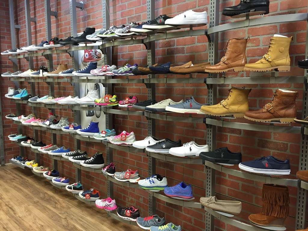 City Streets - shoe store  | Photo 3 of 9 | Address: 1127 Sunrise Hwy, Valley Stream, NY 11581, USA | Phone: (914) 848-4300