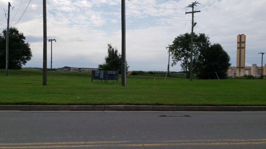 Fairfax County Free Mulch - store    Photo 3 of 7   Address: Lorton, VA 22079, USA   Phone: (703) 324-5995