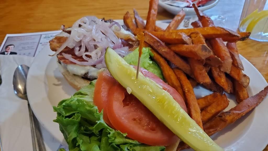 Crossroads Cafe & Deli - cafe  | Photo 2 of 5 | Address: 216 Rockland St, Hanover, MA 02339, USA | Phone: (781) 826-9921