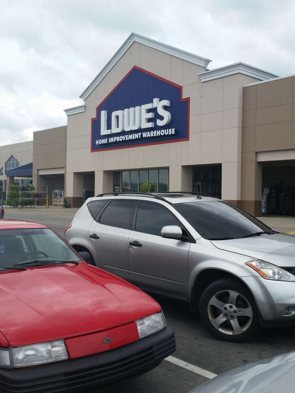 Lowes Home Improvement - hardware store  | Photo 10 of 10 | Address: 3500 10th St, Columbus, IN 47201, USA | Phone: (812) 376-0521