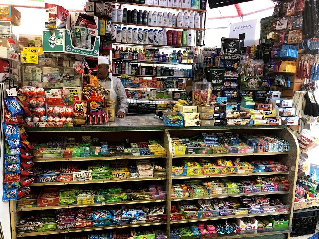 77 Gourmet Deli - store  | Photo 9 of 10 | Address: 7625 5th Ave, Brooklyn, NY 11209, USA | Phone: (718) 836-1500