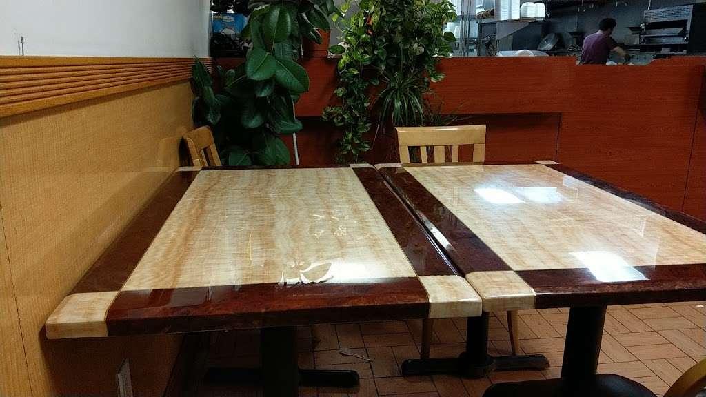 China King Restaurant - restaurant  | Photo 4 of 6 | Address: 328 White Horse Pike #6, Clementon, NJ 08021, USA | Phone: (856) 783-9133