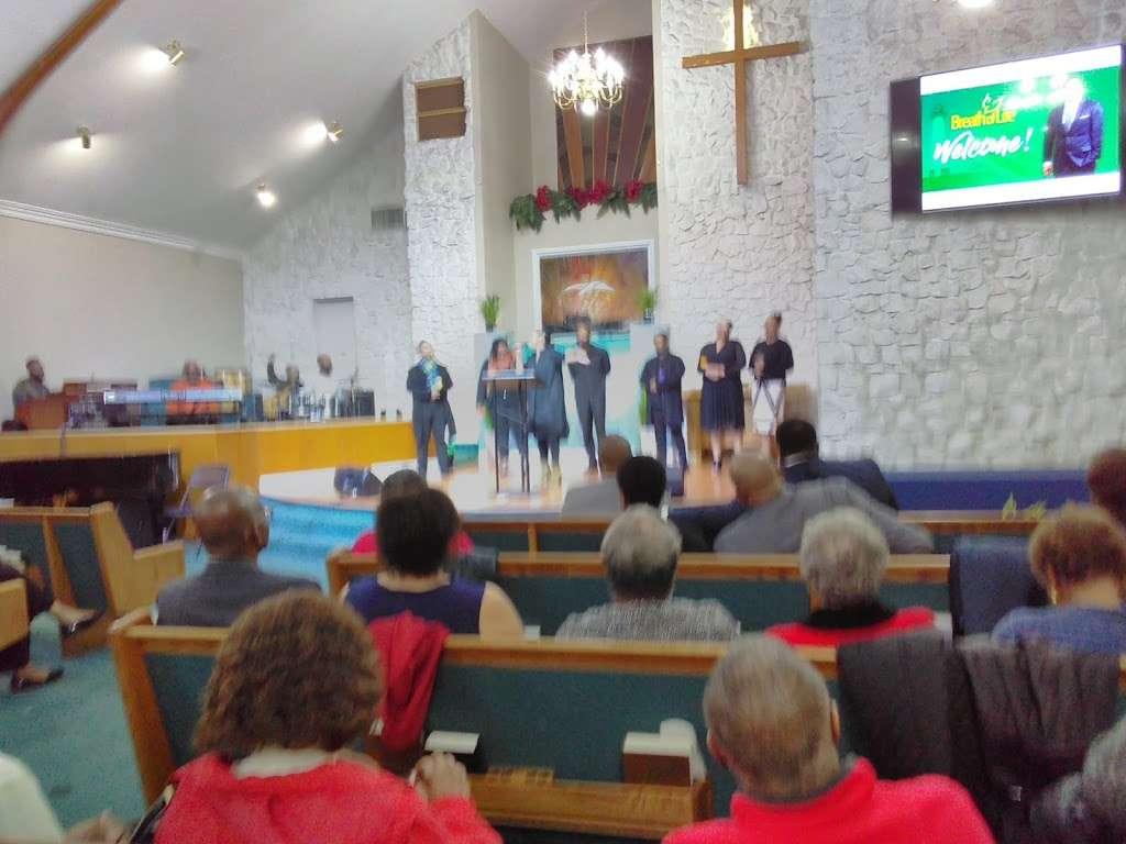 Philadelphian SDA Church children service - church    Photo 5 of 8   Address: 2640 Santa Fe Ave, Long Beach, CA 90810, USA   Phone: (562) 426-8026