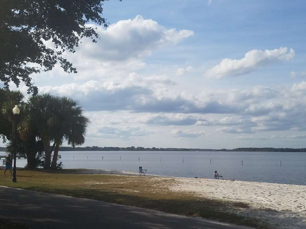 Waterfront Park - park  | Photo 1 of 10 | Address: 330 3rd St, Clermont, FL 34711, USA | Phone: (352) 394-3500