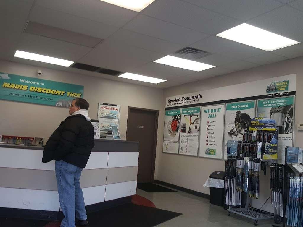 Mavis Discount Tire - car repair  | Photo 4 of 8 | Address: 67 US-46 E, Ridgefield Park, NJ 07660, USA | Phone: (201) 510-3785