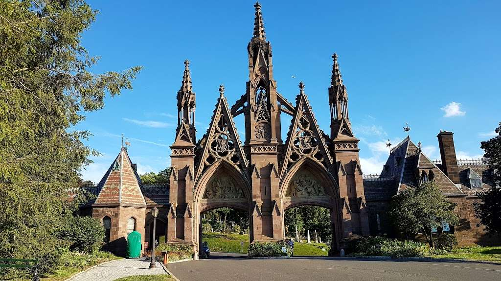 Green-Wood Cemetery - cemetery  | Photo 2 of 10 | Address: 500 25th St, Brooklyn, NY 11232, USA | Phone: (718) 768-7300