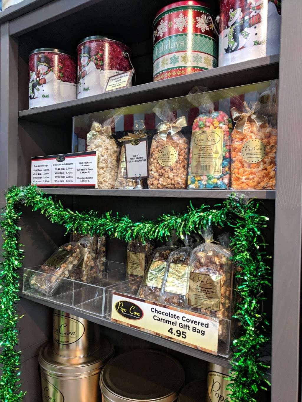 Pops Corn-Free Shipping-100% Guarantee - store  | Photo 5 of 10 | Address: Pembroke Lakes Mall, 11401 Pines Blvd #718, Pembroke Pines, FL 33026, USA | Phone: (954) 349-3499