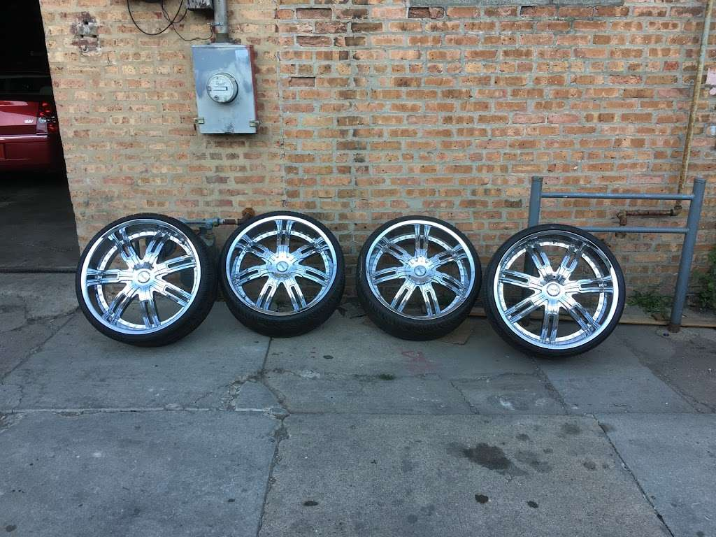 Rim Shop The Chrome Depot Wheels Tires Financing - car repair  | Photo 9 of 10 | Address: 1626 S Cicero Ave, Cicero, IL 60804, USA | Phone: (708) 776-3119