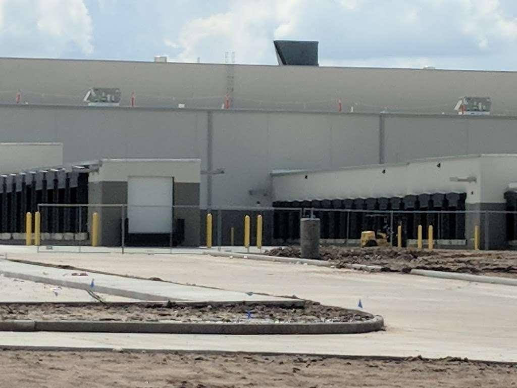 Amazon Flex Warehouse - storage  | Photo 7 of 10 | Address: 11720 N Gessner Rd bldg 5, Houston, TX 77064, USA | Phone: 786-817-9488