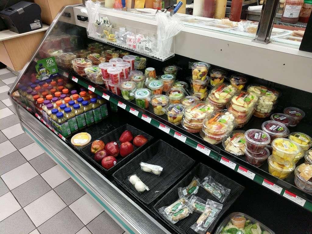 QuickChek - convenience store  | Photo 4 of 10 | Address: 15 Gill Ln, Iselin, NJ 08830, USA | Phone: (732) 636-9564