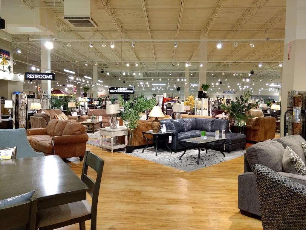 American Furniture Warehouse - furniture store  | Photo 5 of 10 | Address: 5801 N 99th Ave, Glendale, AZ 85305, USA | Phone: (602) 422-8800