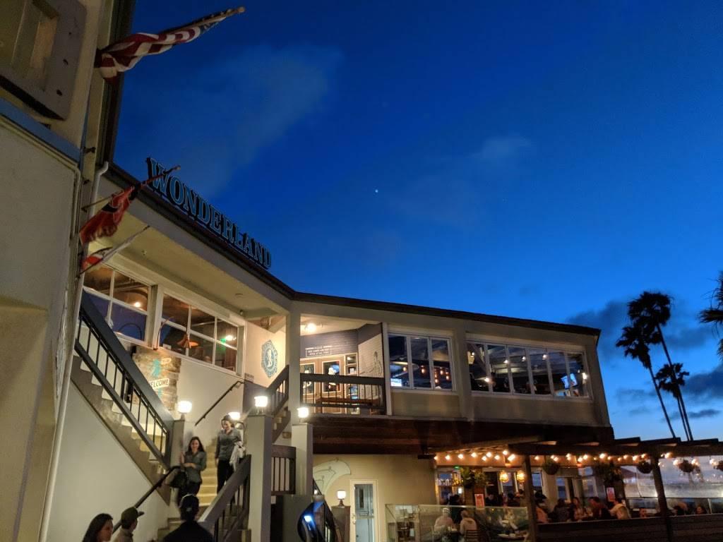 Wonderland Ocean Pub - restaurant  | Photo 6 of 7 | Address: 5083 Santa Monica Ave, San Diego, CA 92107, USA | Phone: (619) 255-3358