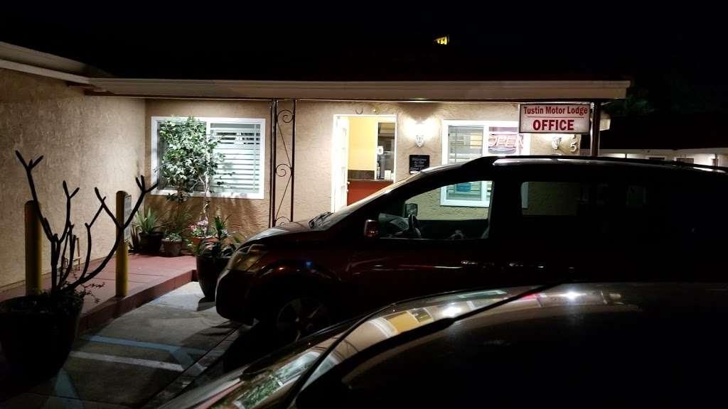 Tustin Motor Lodge - lodging  | Photo 9 of 10 | Address: 750 El Camino Real, Tustin, CA 92780, USA | Phone: (714) 544-5850