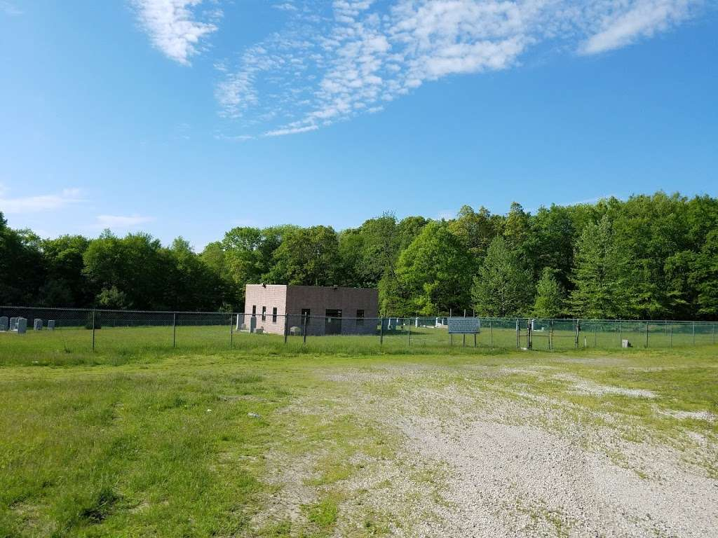 Kasho Cemetary - cemetery  | Photo 3 of 5 | Address: Stropkov Rd, Bedford Hills, NY 10507, USA