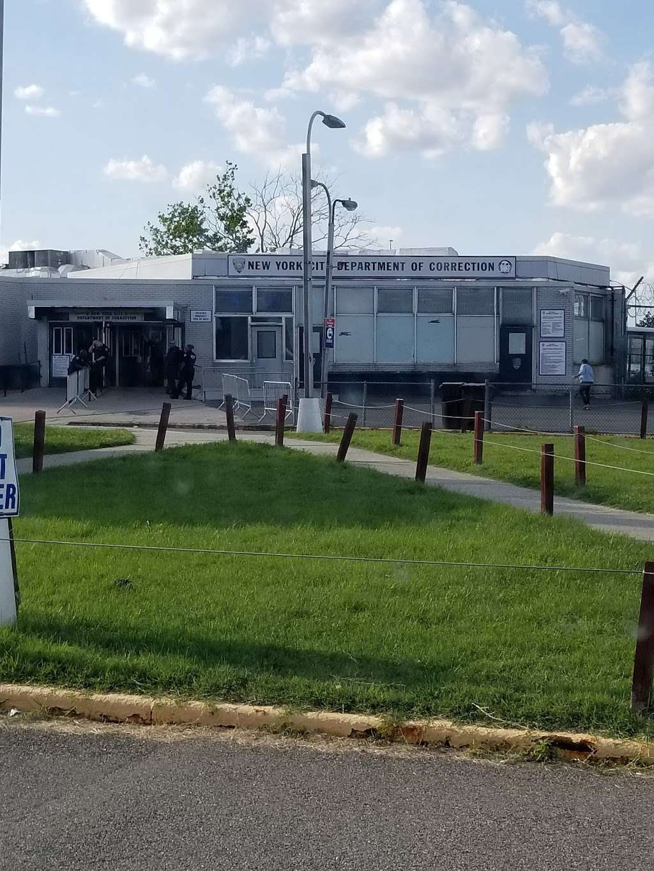 Rikers Island Rdy/rikers Island - bus station  | Photo 1 of 3 | Address: Bronx, NY 11105, USA