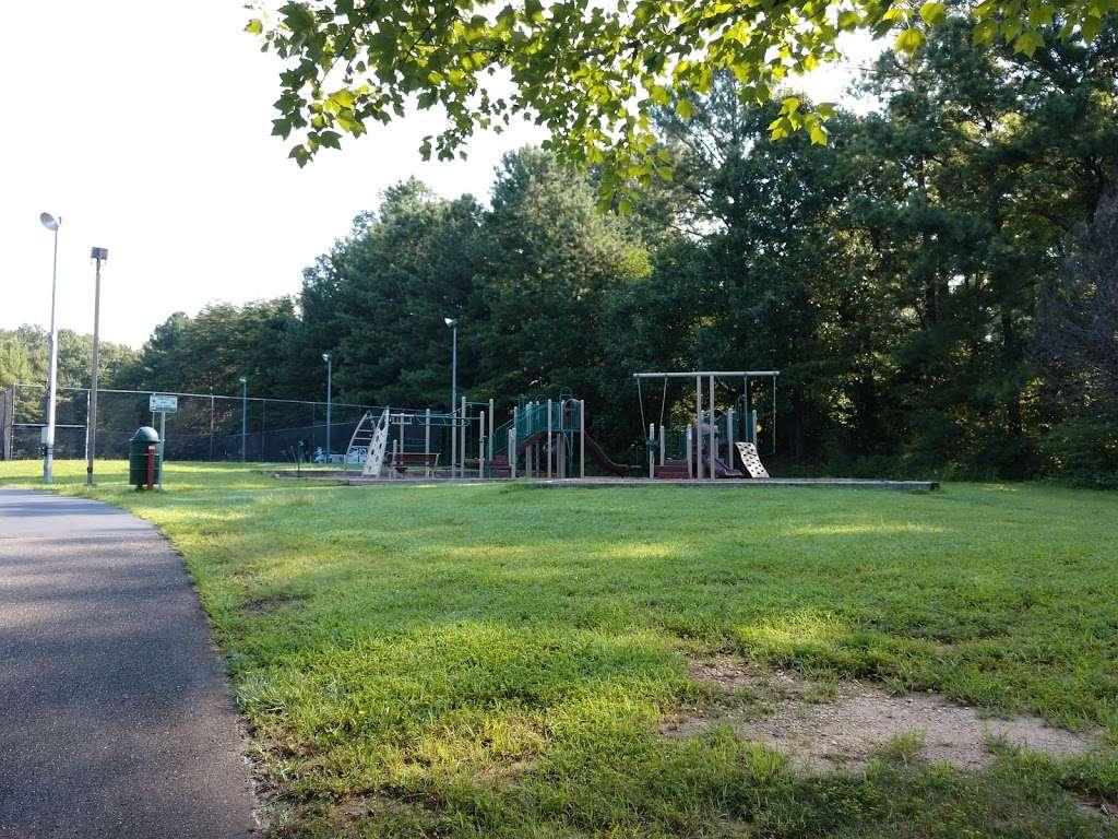 Levelle W. Dupell Park - park  | Photo 2 of 10 | Address: 6812 Newington Rd, Lorton, VA 22079, USA | Phone: (703) 324-8732