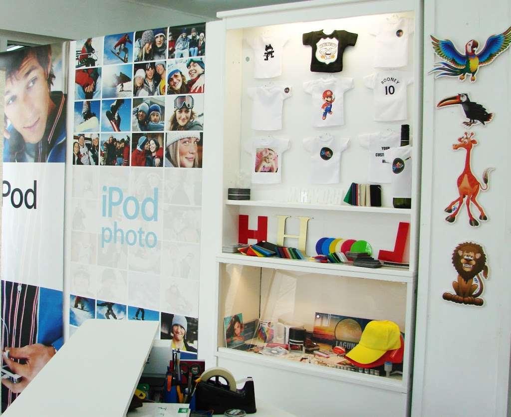 Sign of Style - clothing store  | Photo 9 of 10 | Address: 231 Harrow Rd, Wembley HA9 6DX, UK | Phone: 020 3609 0720