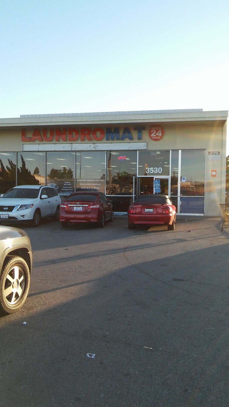 Top Spin Laundromat - laundry  | Photo 7 of 7 | Address: 3530 Saviers Rd, Oxnard, CA 93033, USA | Phone: (805) 486-5036