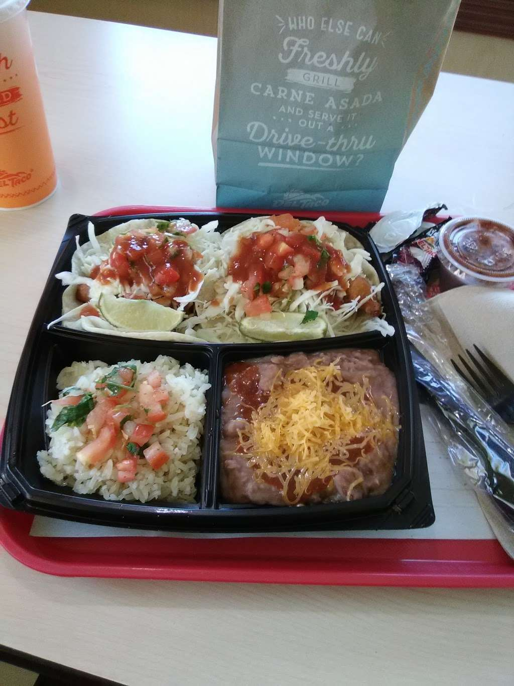 Del Taco - meal takeaway  | Photo 1 of 10 | Address: 5197 E Los Angeles Ave, Simi Valley, CA 93063, USA | Phone: (805) 527-7646
