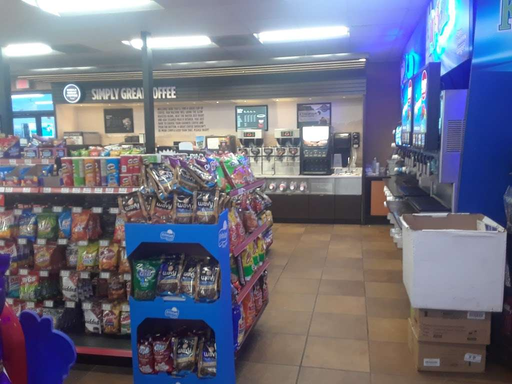 Circle K - convenience store  | Photo 3 of 10 | Address: 10963 West I-25 Frontage Road, Longmont, CO 80504, USA | Phone: (303) 678-0539