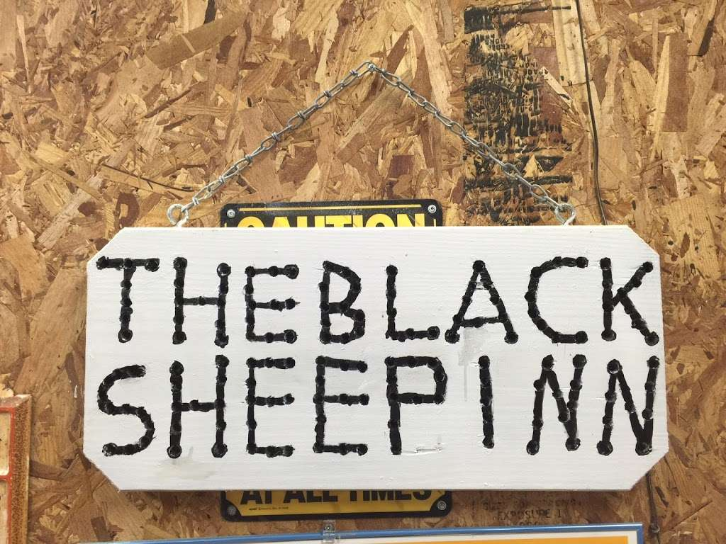 The Black Sheep Inn - lodging  | Photo 5 of 5 | Address: 14555 Lee Highway, Amissville, VA 20106, Amissville, VA 20106, USA | Phone: (540) 222-2021
