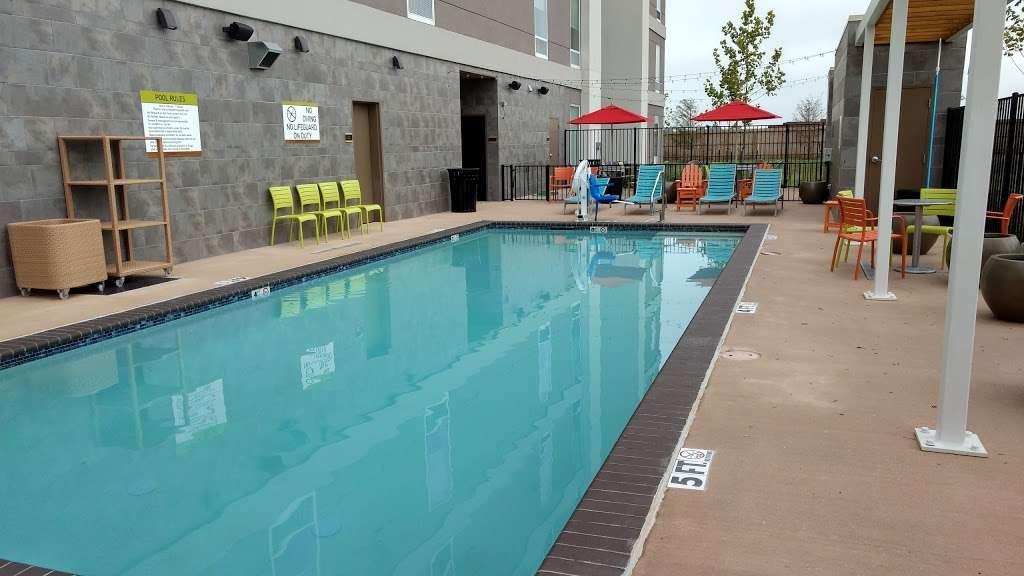Home2 Suites by Hilton Baytown - lodging  | Photo 3 of 10 | Address: 7512 Garth Rd, Baytown, TX 77521, USA | Phone: (832) 926-7350