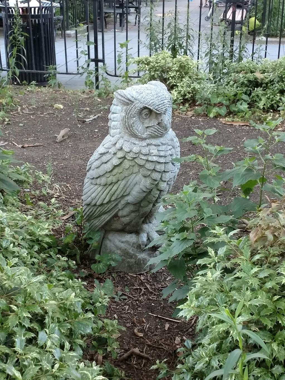 Athens Square - park  | Photo 8 of 10 | Address: 30th St & 30th Ave, Astoria, NY 11102, USA