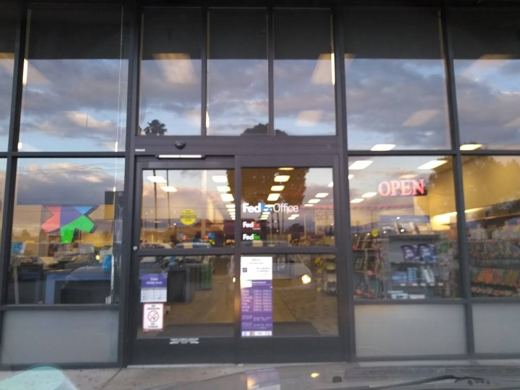FedEx Office Print & Ship Center - store  | Photo 8 of 9 | Address: 1440 S E St Suite B, San Bernardino, CA 92408, USA | Phone: (909) 381-6282