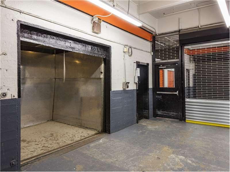 Extra Space Storage - moving company    Photo 4 of 10   Address: 160 John St, Brooklyn, NY 11201, USA   Phone: (718) 596-7867