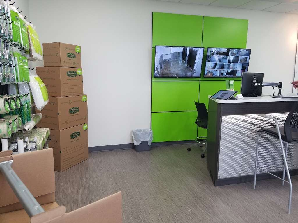 Extra Space Storage - moving company  | Photo 2 of 10 | Address: 6527 San Fernando Rd, Glendale, CA 91201, USA | Phone: (818) 650-3101