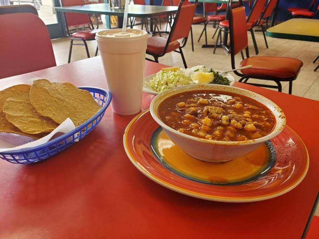 Los Gallos Taqueria - restaurant  | Photo 4 of 8 | Address: 6089 W Figarden Dr, Fresno, CA 93722, USA | Phone: (559) 271-3492