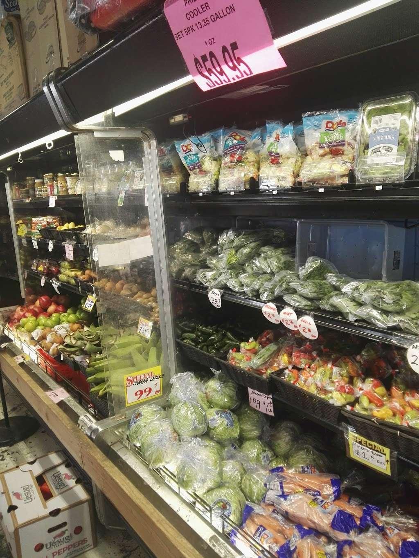 Gitto Farmers Market - store  | Photo 5 of 10 | Address: 38 N Market St, Brooklyn, NY 11236, USA | Phone: (718) 209-4587