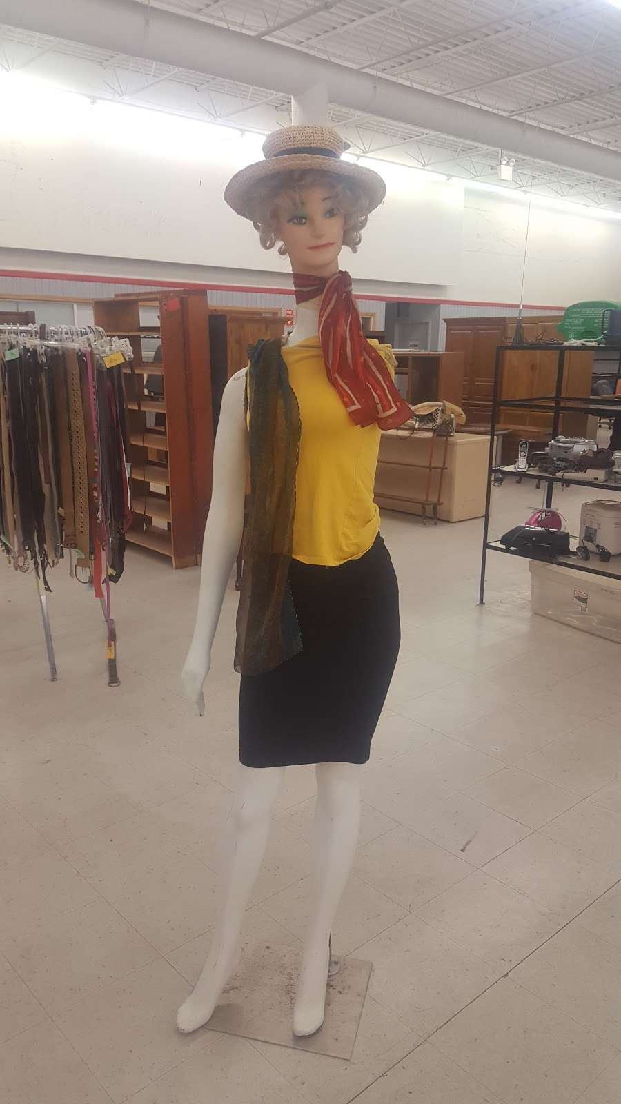 Family Thrift Store - store  | Photo 3 of 4 | Address: 9527 Blue Ridge Blvd, Kansas City, MO 64134, USA | Phone: (816) 763-6688