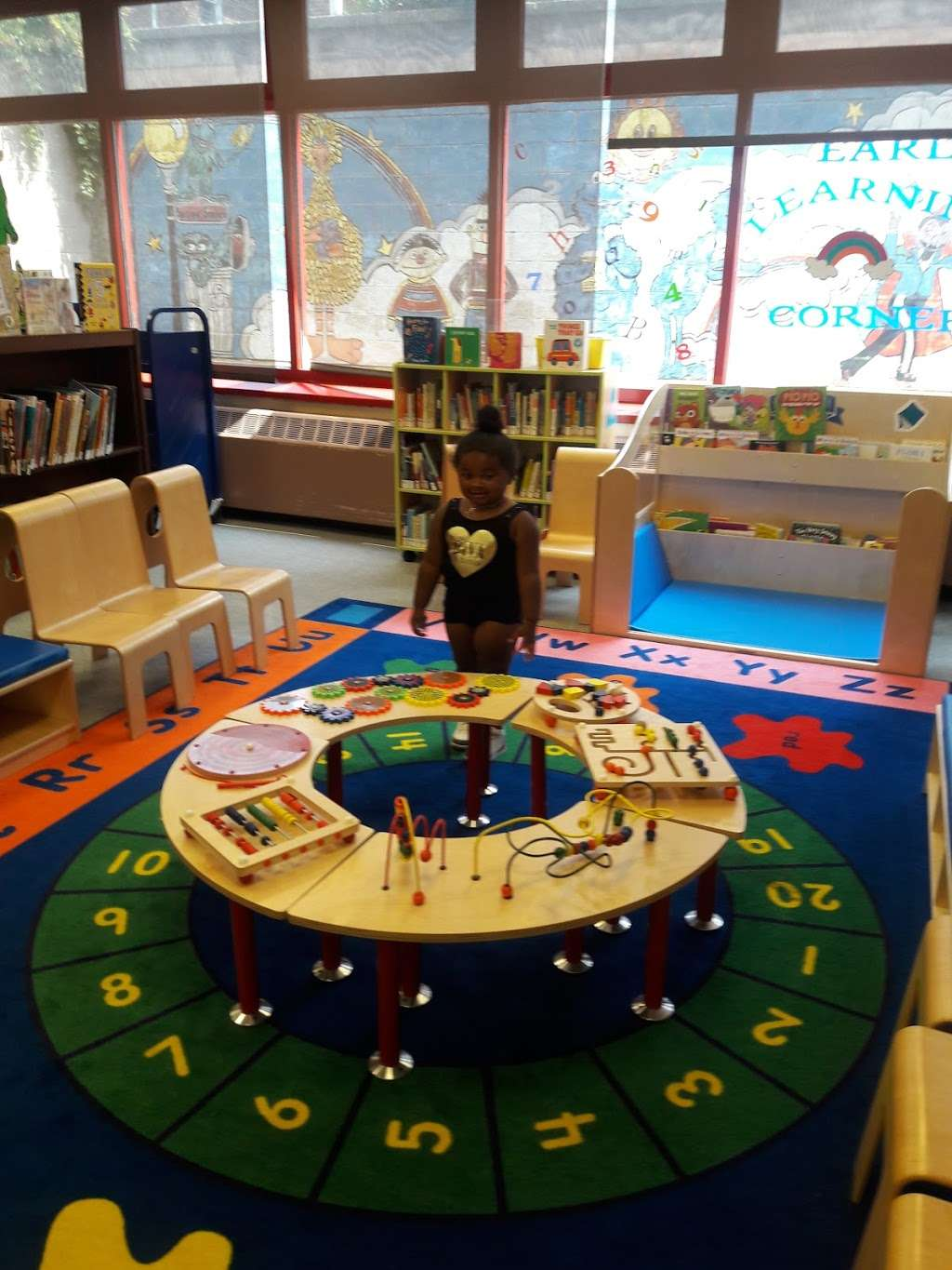 Throgs Neck Library - library  | Photo 1 of 7 | Address: 3025 Cross Bronx Expy, The Bronx, NY 10465, USA | Phone: (718) 792-2612