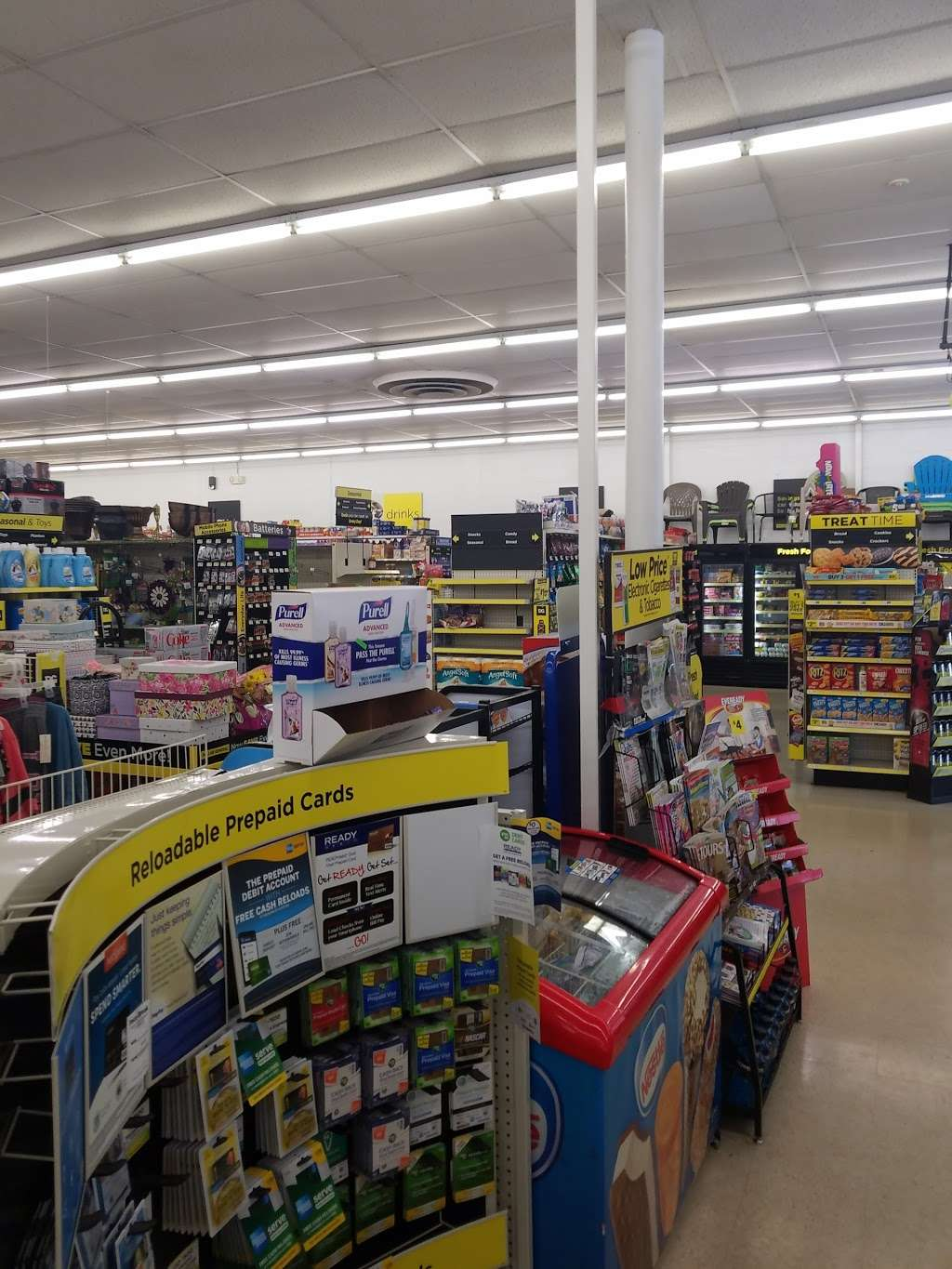 Dollar General - home goods store  | Photo 3 of 9 | Address: 1805 Columbia Ave, Lancaster, PA 17603, USA | Phone: (717) 740-2655