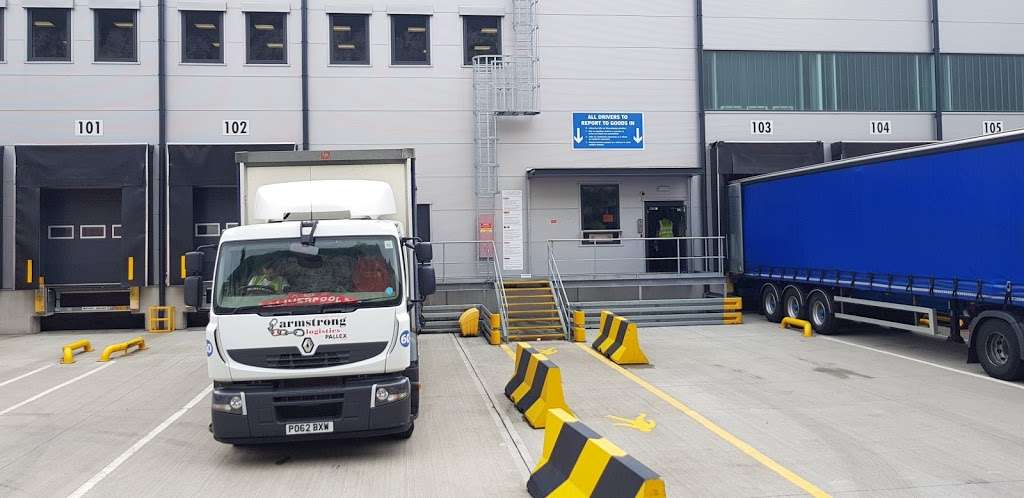 Lidl Northfleet Regional Distribution Centre (RDC) - storage  | Photo 5 of 10 | Address: Crete Hall Rd, Northfleet, Gravesend DA11 9BU, UK | Phone: 0800 977 7766